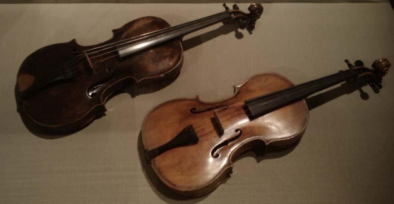 Violas in Budapest museum